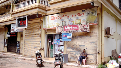 A shop belonging to a non-Goan remains open on Wednesday