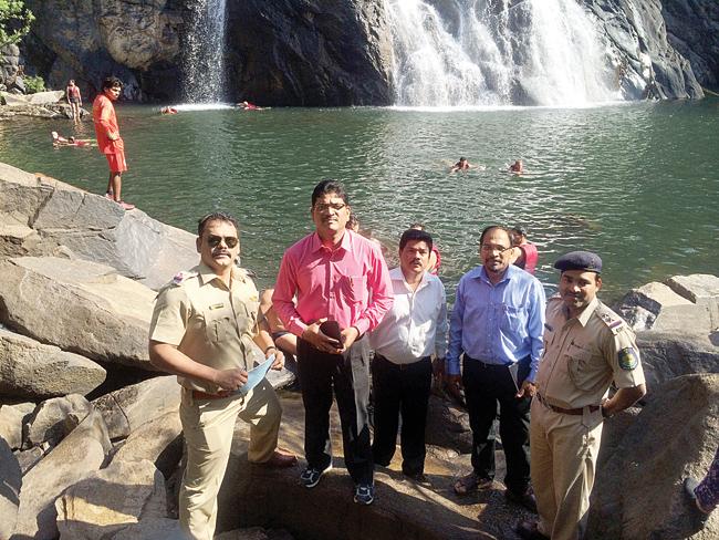 District Collector South Goa, Venancio S Furtado visits the Dudhsagar waterfalls at Collem along with Collem PI Jivba Dalvi, Dharbandora Mamlatdar Satish Prabhu, RFO Wild Life Mollem Dnyaneshwar Kudalkar and Collem PSI Sachin Lokre.   Photo by:Santosh Nai