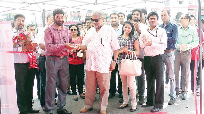Ashok Khanna inaugurates the sixth edition of the Herald Auto Expo at SGPDA Ground, Margao, on Saturday.  Photo by: Santosh Mirajkar