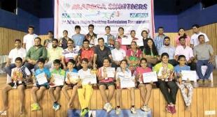 Rudra, Tanisha excel at badminton