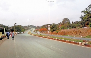 TOLL FOR NH17 B; LOCALS CRY FOUL