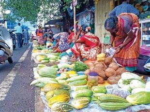 With no 'roadside markets', South Goa roadside vendors struggle to earn livelihood