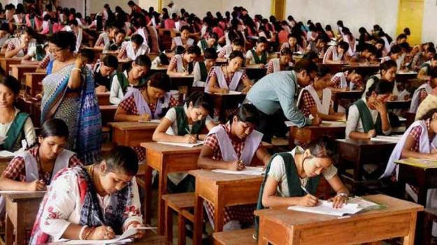 Hundreds of parents urge CM to postpone exams
