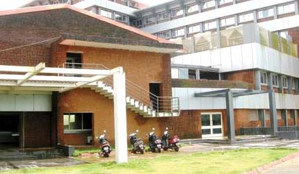 Cong dares Health Min to  visit Margao COVID Hospital