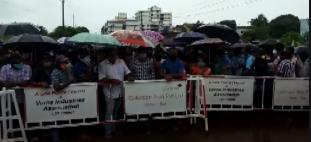 Mangor locals threaten chain hunger strike on Monday