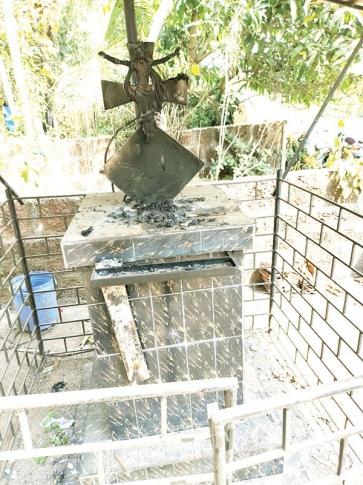 Cross damaged at Curchorem