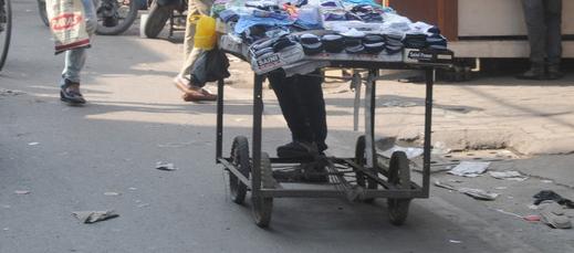 Sirlim-Dramapur P'yat removes illegal  roadside vendors