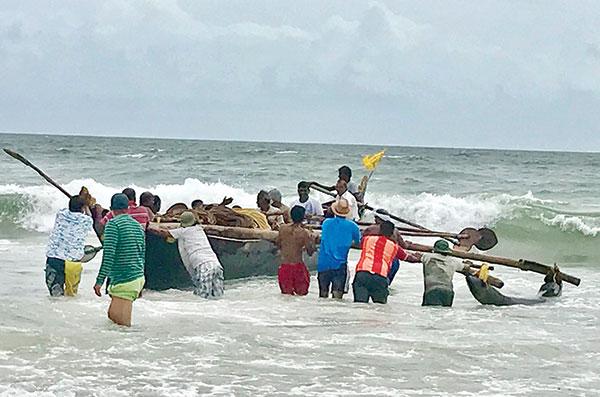 Curfew-cyclone impact: Ramponkars battling for survival